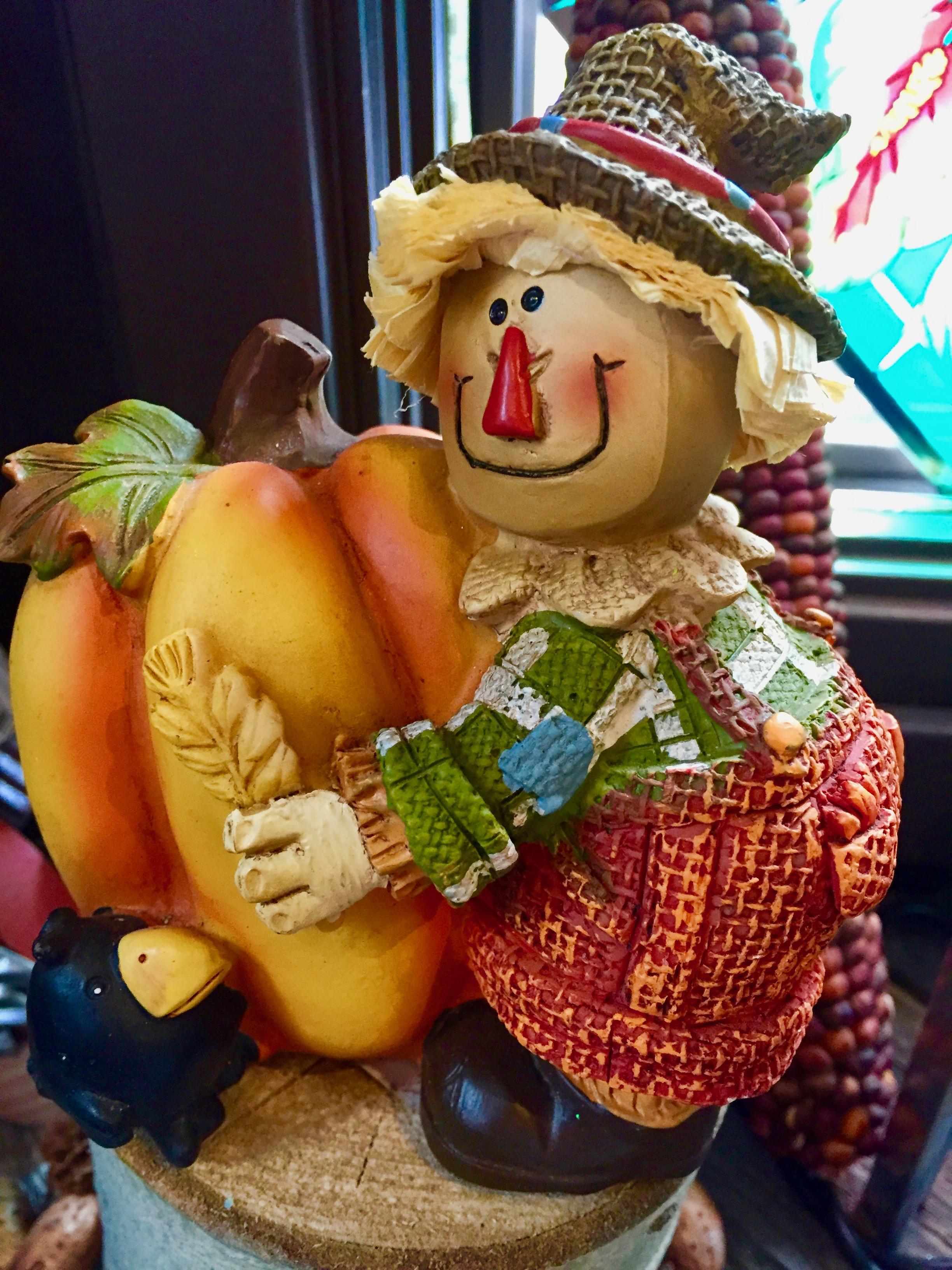 Scarecrow thanksgiving decor